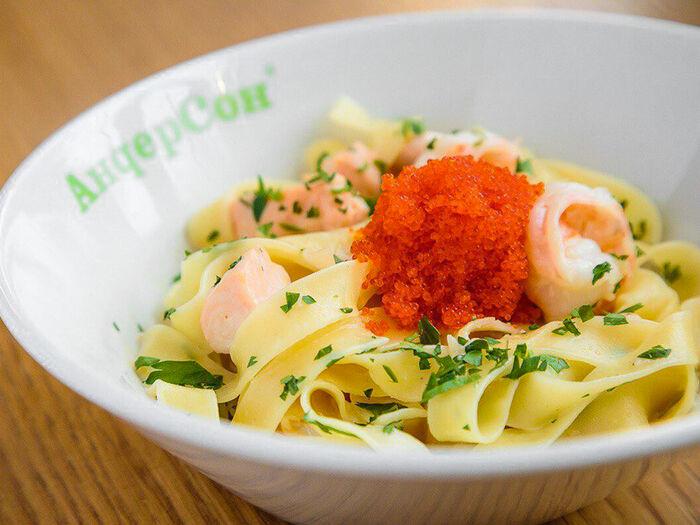 Фетучини с креветками в томатно-сливочном-соусе