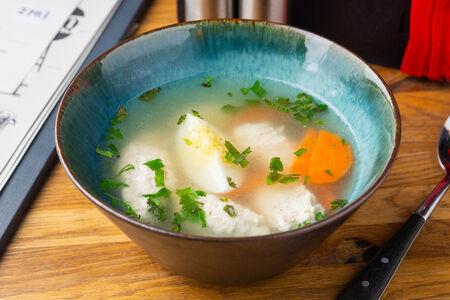 Еврейский куриный суп с клецками