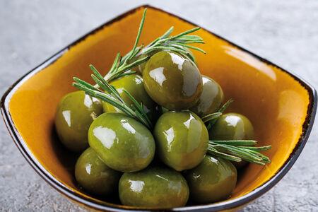 Зелёные оливки