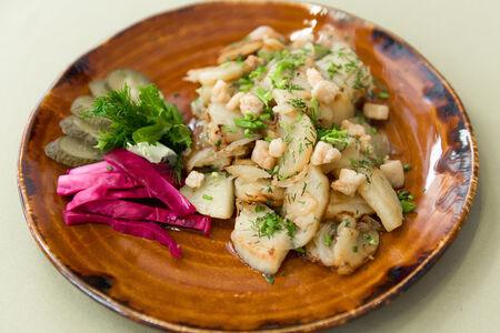 Картофель жареный с ароматным луком