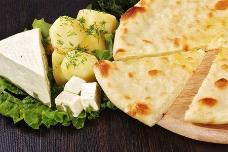 Хачапури по-осетински с картошкой и сыром