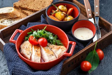 Куриная грудка су-вид с мини-овощами