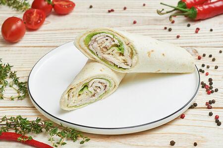 Тортилья с салатом Цезарь