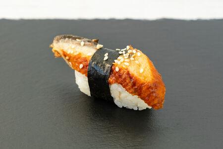 Суши Унаги нигири