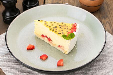 Легкий десерт со стивией, мусом манго и маракуйя