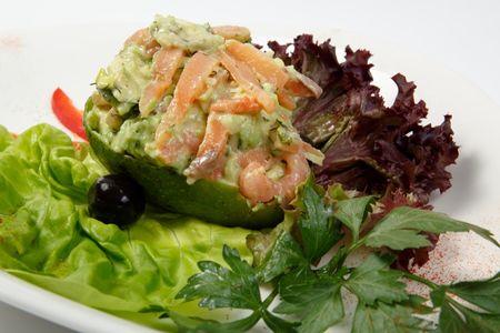 Салат из авокадо с семгой
