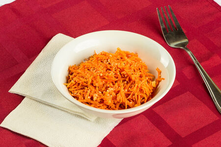 Салат Морковь с грецким орехом