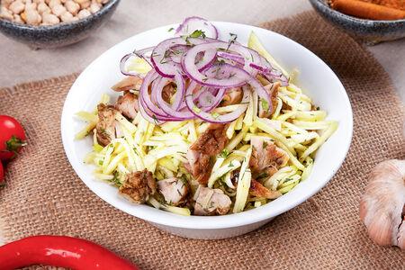 Салат с дайконом и цыпленком