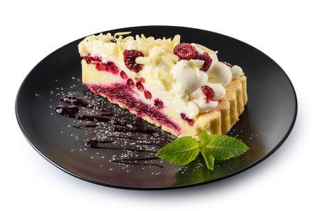Брусничный кремовый торт