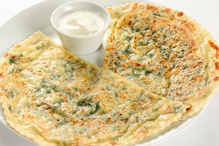 Кутабы с зеленью и сыром Сулугуни