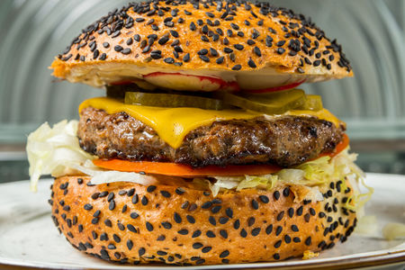 Бургер Монтана с говядиной