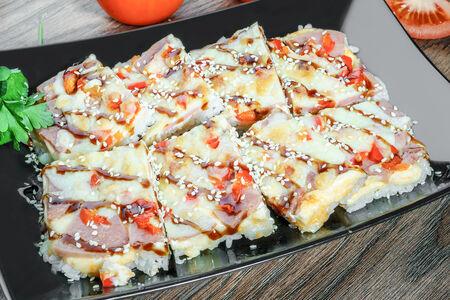 Суши-пицца с пепперони