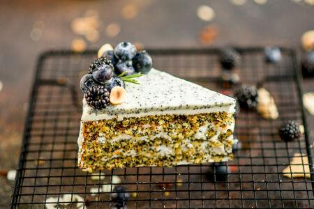 Торт Маковый с творожным кремом