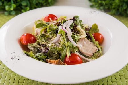 Салат с гриль-стейком из говядины