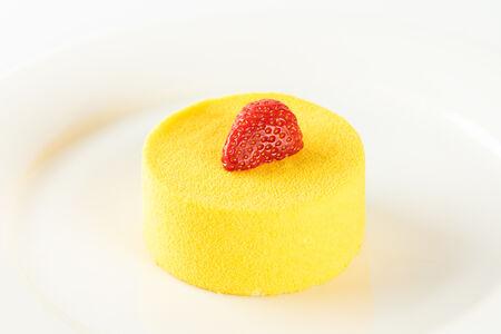 Десерт Манго-маракуя
