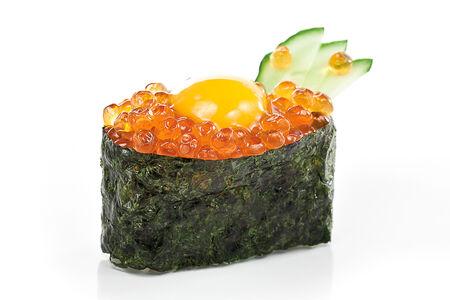 Суши Икра с перепелиным яйцом