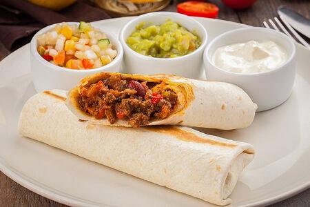Бурритос с говядиной и овощами
