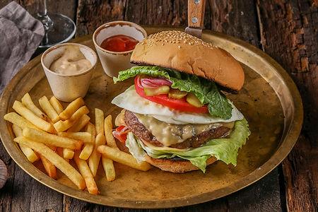 Бургер Нью-Йорк с картофелем фри