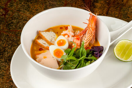 Суп Сингапурская лакса с креветками