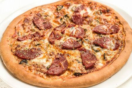 Пицца с веганской колбасой