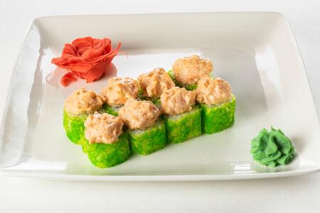 Ролл запеченный Сикоку острый с лососем