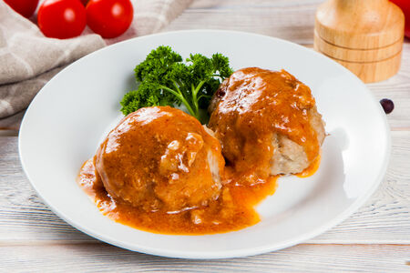 Тефтели мясные с соусом