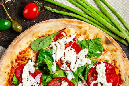 Пицца с итальянским домашним сыром Страчателла