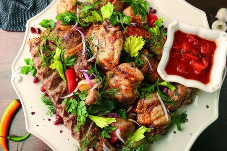 Большое блюдо мяса с мангала