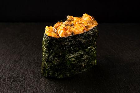 Суши спайси с угрём