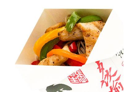 Лапша с куриным филе и овощами