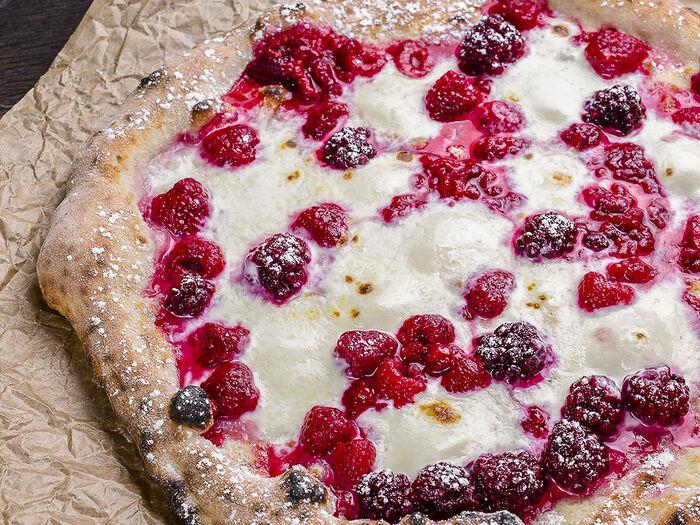 Пицца неаполитанская Маскарпоне с малиной
