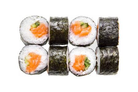 Классический ролл с лососем и авокадо