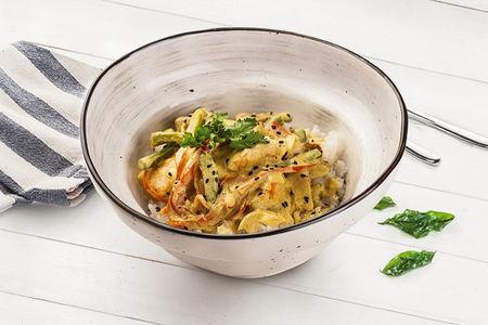 Курица Карри с овощами и рисом