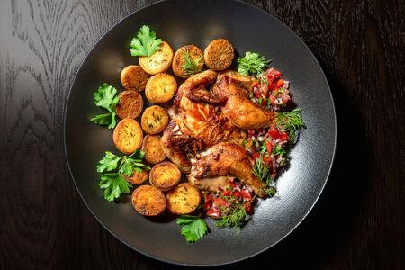 Цыплёнок с мини-картофелем