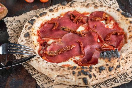 Пицца Брезаола