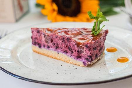 Мангово-черничный десерт