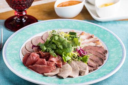 Антипасти из мяса