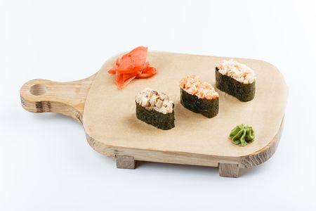 Острые гунканы с лососем