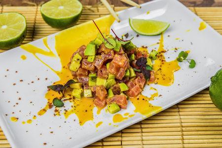 Тартар из тунца со авокадо