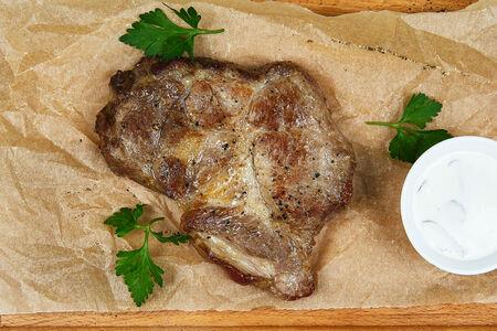 Стейк свиной с грибным соусом
