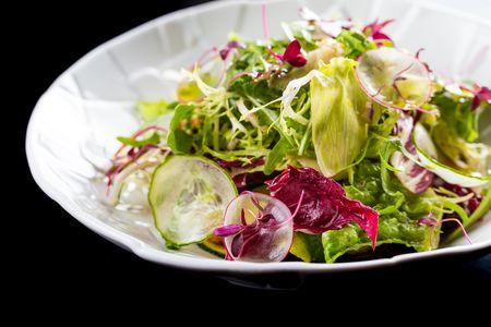 Теплый салат с сибасом