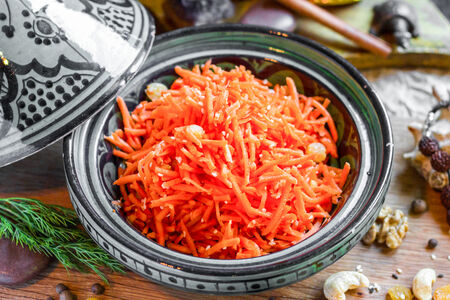 Пряный морковный салат