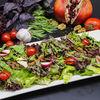 Фото к позиции меню Теплый салат с язычками ягненка и лесными грибами