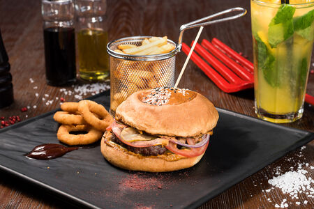 Бургер Комбо с говядиной