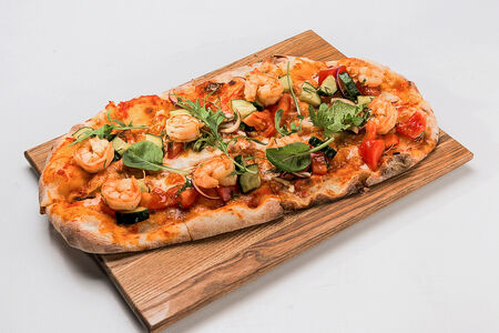 Римская пицца с креветками и артишоками
