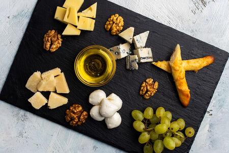 Ассорти итальянских сыров