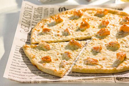Пицца с семгой и сыром горгонзолой