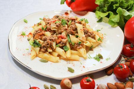 Паста Болоньезе с мясом и овощами