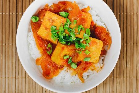 Тофу в томатном соусе