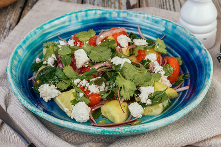 Овощной салат с надуги